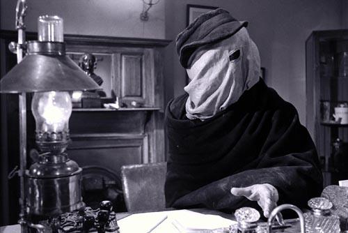 『エレファント・マン』(1980年、アメリカ) ―8.0点。モノクロが映し出すエレファントマンの衝撃