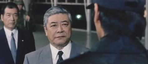 『ゴジラVSメカゴジラ』(2002年、日本)―70点。完成度の高い正統派ゴジラ続編 (3/6)